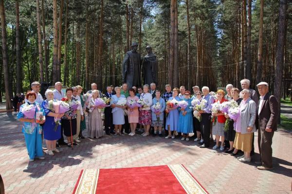 8 июля россияне отмечают День семьи, любви и верности.